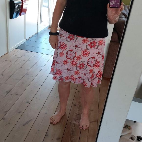 Esprit-kjol 35 kr